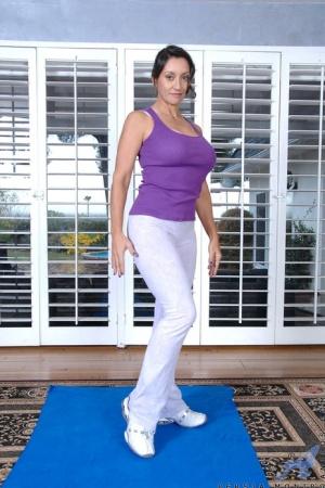 Big Ass Yoga Pants Pics